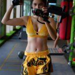 """ฟิตจัดบุกทุกค่าย """"แนท เกศริน"""" จัดหนักเดินสายฟิตฝึกมวยไทย"""